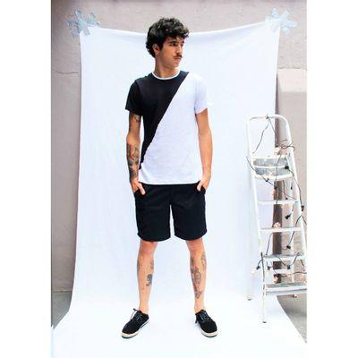 Camiseta-Meio-a-Meio-Preto-e-Branco---G