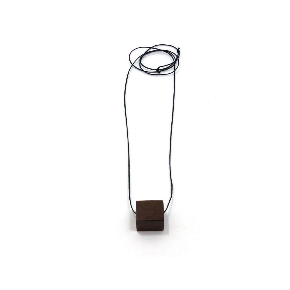 Colar-Cubo-Canela-fio-de-algodao
