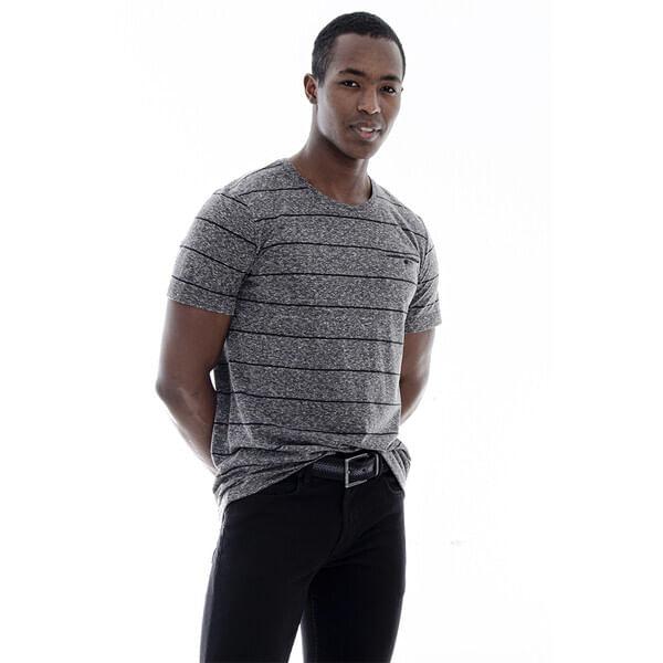 camiseta-masculina-bolso-embutido