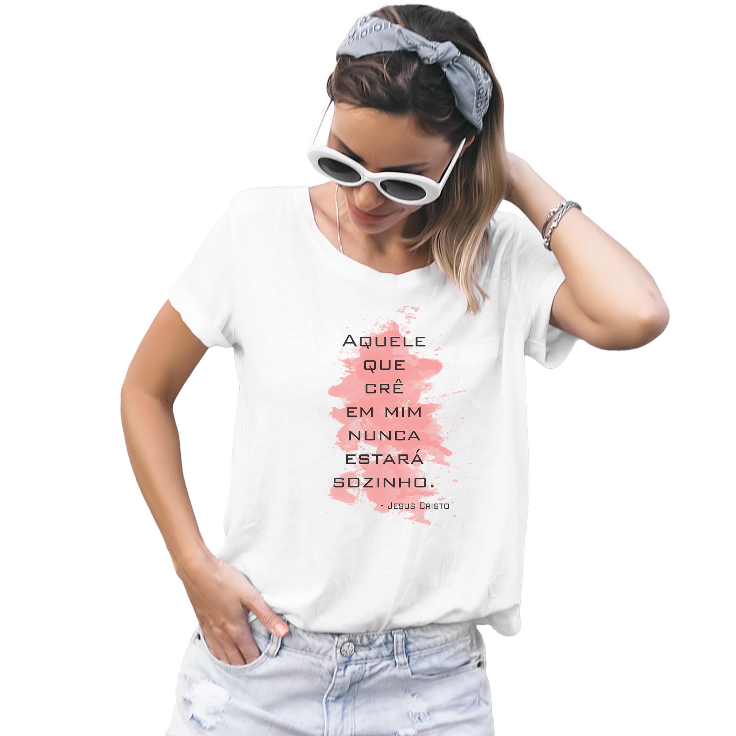 Camiseta-Feminina-Crista-Aquele-que-Cre-em-Mim-Nunca-Estara-Sozinho---Palavra-De-Luz